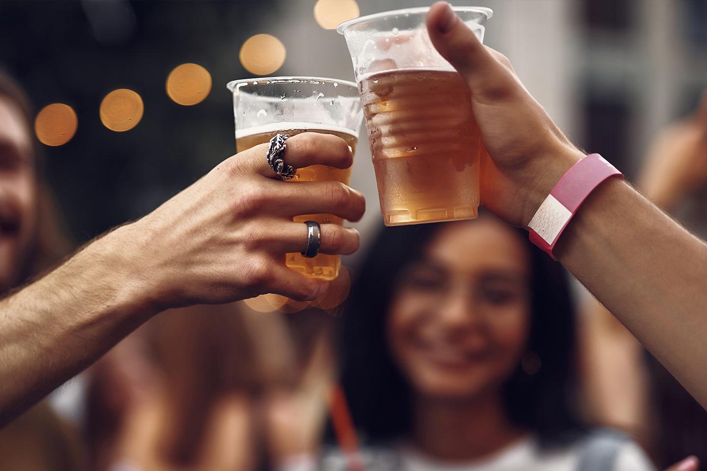 Alkohol pejskům nikdy nedávejte!