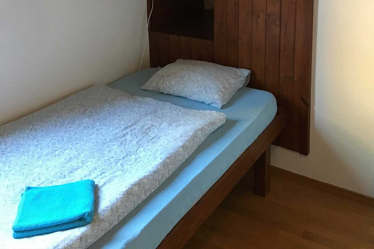 Room Gödel